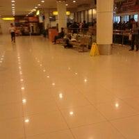 Photo taken at Garuda Indonesia Executive Lounge by Ezra J. on 2/15/2013