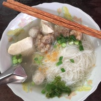 Photo taken at ร้านสามแม่ครัว (เตาฟืน) by creamhad on 2/21/2016