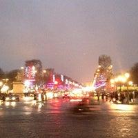 Photo taken at Gardens of the Champs-Élysées by Tati S. on 1/4/2013