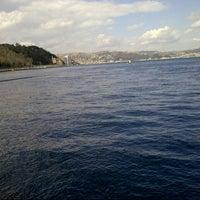 Foto tirada no(a) Yeniköy Sahili por Neslihan K. em 3/10/2013