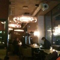 Das Foto wurde bei Café Leopold von Milos P. am 1/6/2013 aufgenommen