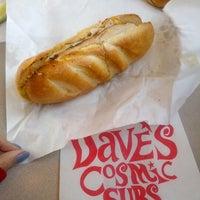 รูปภาพถ่ายที่ Dave's Cosmic Subs โดย Soowan P. เมื่อ 1/26/2013