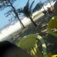 Photo taken at Quiosque praia skol 360 graus by Mabi M. on 9/16/2012