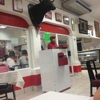 Foto tomada en Restaurante El Matador por GILDARDO C. el 3/31/2013
