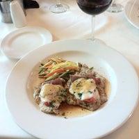 Photo prise au Rocco's Italian Grille par John G. le10/23/2013