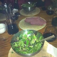 12/24/2012 tarihinde Basak A.ziyaretçi tarafından Dükkan Steakhouse'de çekilen fotoğraf