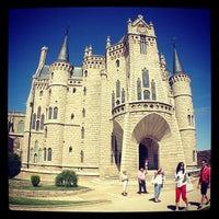 Photo taken at Palacio Episcopal de Astorga by San Miguel r. on 8/25/2013