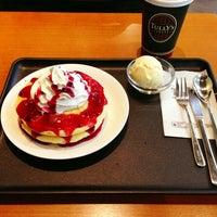3/15/2013にususiがTULLY'S COFFEE 羽田空港第一ターミナル店で撮った写真