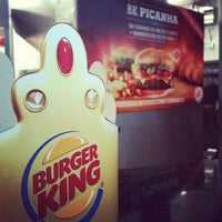 Photo taken at Burger King by Raphael A. on 9/27/2012