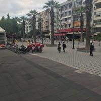 Foto diambil di halkbank bostanlı şubesi oleh Berrin O. pada 5/18/2017