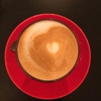 Foto tirada no(a) Café Triciclo por Sindy V. em 8/1/2017