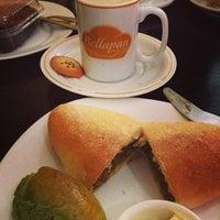 Foto tirada no(a) Bellapan Bakery por patrícia t. em 7/27/2013