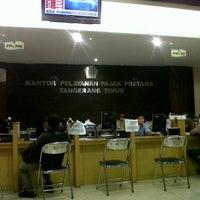 Photo taken at Kantor Pelayanan Pajak Pratama Tangerang Timur by Ajat S. on 6/26/2013