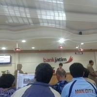 Photo taken at Bank Jatim by Yudha D. on 5/1/2013