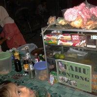 """Photo taken at Tahu Lontong """"BU YENI"""" by Yudha D. on 9/27/2012"""
