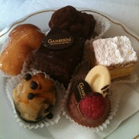 Photo taken at Café Pasticceria Gamberini by Serena on 10/14/2012