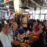 Foto tomada en Restaurant Bar 5 Estrellas por J R. el 5/15/2013