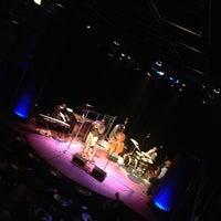 Снимок сделан в Mayne Stage пользователем Marc P. 12/20/2012