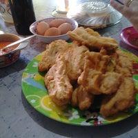Photo taken at Tinutuan Girian by Yorry K. on 11/19/2012