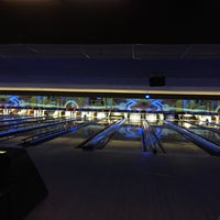 Photo taken at AMF Valley View Lanes by Adriana S. on 8/20/2016