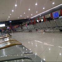 Photo taken at Gate B2 by Dedi S. on 8/4/2014