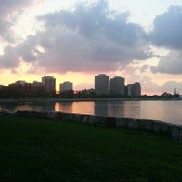Foto scattata a Promontory Point Park da William —. il 5/22/2013