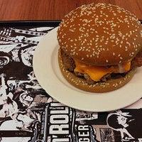 Foto tirada no(a) Rock 'n' Roll Burger por Boteco&Cerveja em 1/14/2013
