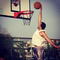 Photo taken at Bostanlı Basketbol Sahası by Musti G. on 9/18/2013