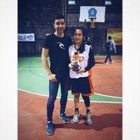 Photo taken at Lapangan Basket Maranatha by Samuel I. on 5/22/2015