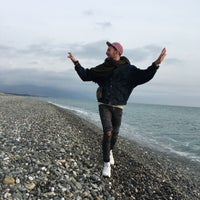 Снимок сделан в Самый южный пляж России пользователем Kolyan Z. 2/18/2018