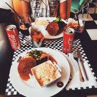 Photo taken at American Music Burger by Filipe N. on 4/4/2015