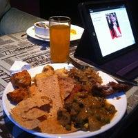 Photo taken at Omar Cafe Indian Kitchen / 欧麦咖啡 印度小厨 by Sari Eka Y. on 5/25/2013