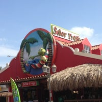 Photo taken at Señor Frog's Aruba by Onellys B. on 4/1/2013