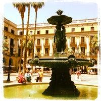 Foto tomada en Plaza Real por Philippe K. el 7/22/2013