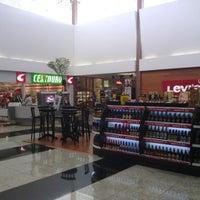 Foto tirada no(a) Montes Claros Shopping por André Vinícius G. em 12/14/2012