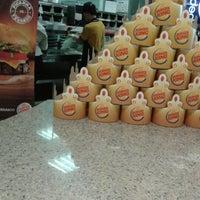Foto tirada no(a) Burger King por Tiago B. em 11/6/2012