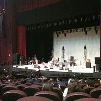 Foto tomada en Auditorio Universitario por Andrea S. el 10/29/2012