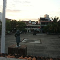 Photo taken at Parque Hidalgo by KiKitho R. on 10/27/2012