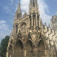 Photo prise au Cathédrale Notre-Dame de Rouen par Sofia U. le8/12/2015