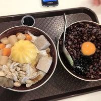 Photo taken at Ice Bowl Original Taiwan Desserts by JoSe on 11/9/2012