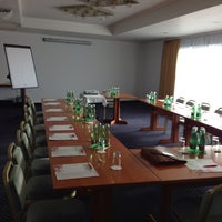 รูปภาพถ่ายที่ Hotel Donauzentrum โดย Peter B. เมื่อ 10/8/2013