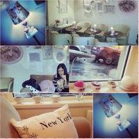 Photo taken at Shabby Chic by Milena A. on 5/4/2014