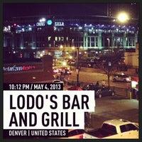 Foto tomada en Lodo's Bar And Grill por Joe M. el 5/5/2013