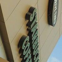 Photo taken at Starbucks by M4NOR4 on 10/22/2012