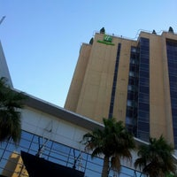 Photo taken at Holiday Inn Salmiya by M4NOR4 on 1/22/2013