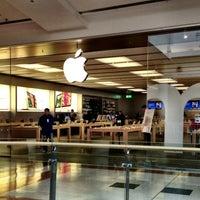 Photo taken at Apple Oriocenter by Emmanuel T. on 1/29/2013
