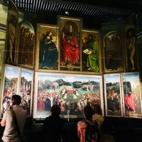 Photo taken at Ghent Altarpiece (Adoration of the Mystic Lamb) by СашаВяль Barceloner.com on 5/18/2018