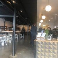 Foto tirada no(a) Vesta Coffee Roasters por Patrick Q. em 5/15/2017