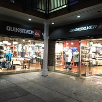 Photo taken at Quiksilver - Queens Market Place by Ryan T. on 5/28/2016