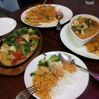 Photo taken at Bangkok Noodles & Thai BBQ by Riz E. on 3/18/2013